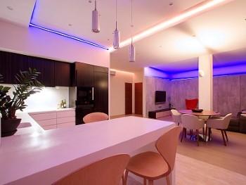 Zuinige en sfeervolle verlichting met een kleuren LED spot!