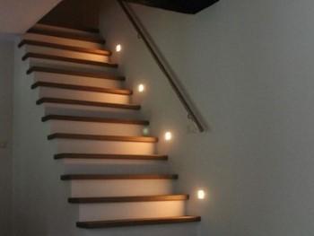 LED verlichting voor de trap is praktisch en sfeervol